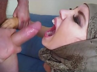 Head Scarf Wearing Arab Hottie Pussy Rocked And Cumshot